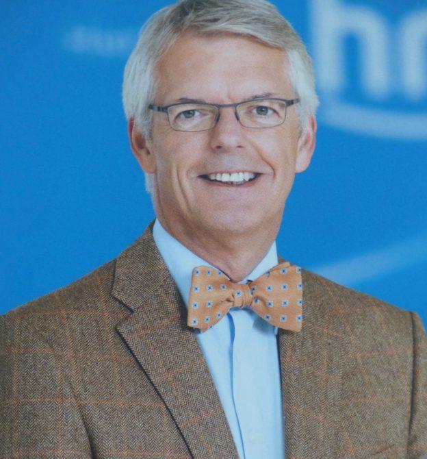 Dr. Helmut Reitze